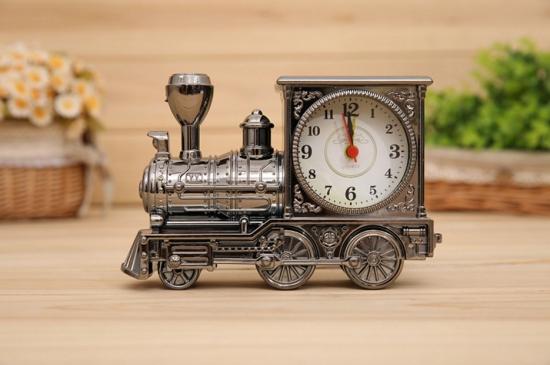 デザイン重視【おしゃれな置時計】インテリア時計としていかが?のサムネイル画像