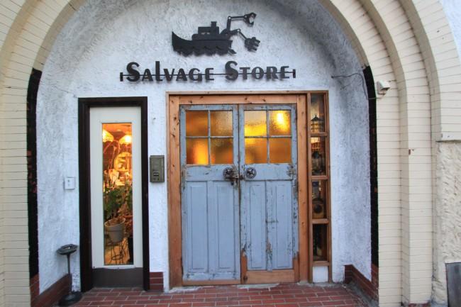 こんなお家に住みたい!オシャレで素敵なアンティークドアをご紹介!のサムネイル画像