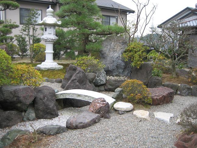 自然にあふれた和風の庭作りを石や植物をテーマに徹底研究!のサムネイル画像