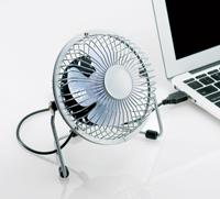暑いオフィスで大活躍!!コンパクトでデスクに置けるusb扇風機✩のサムネイル画像