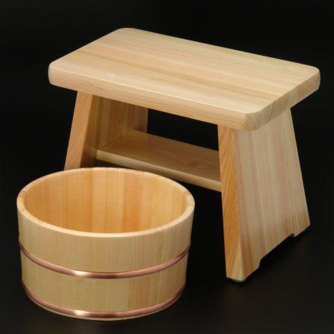毎日使う【お風呂の椅子】おしゃれな椅子で楽しいバスタイム!のサムネイル画像