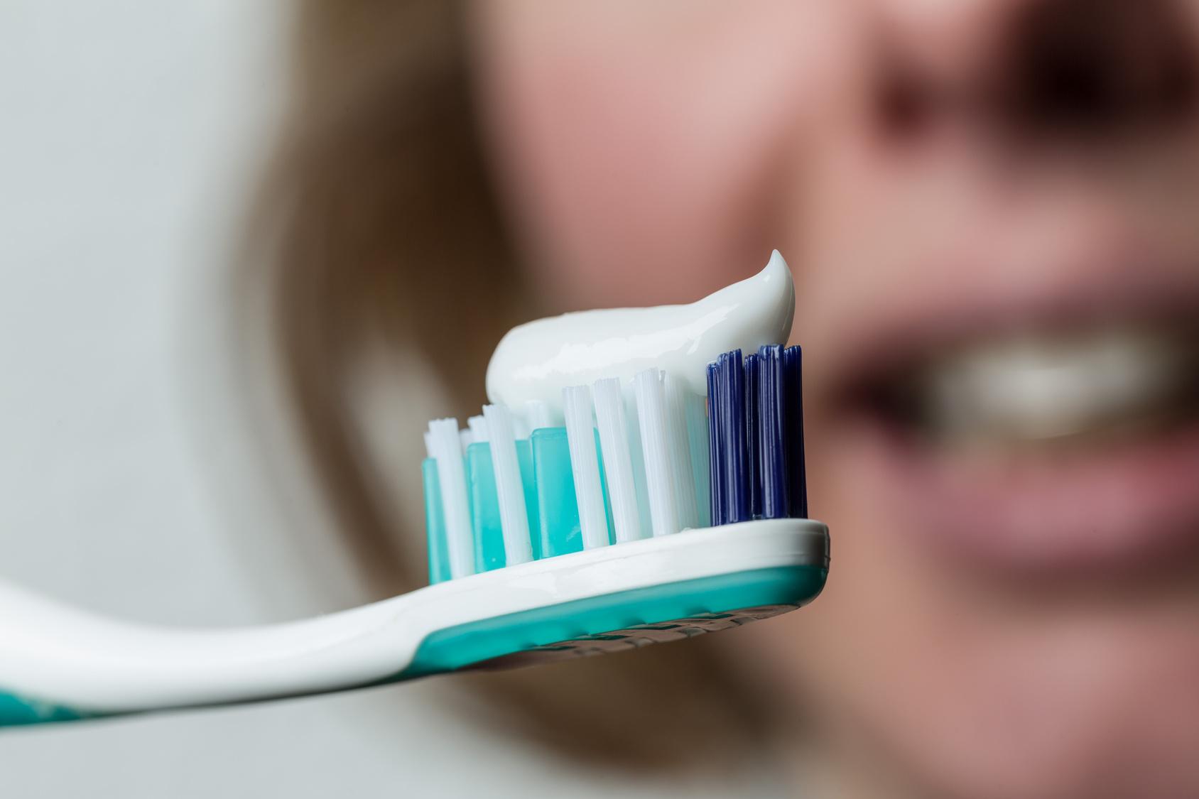 おすすめの歯磨き粉特集!今売れている注目の歯磨き粉とは?のサムネイル画像