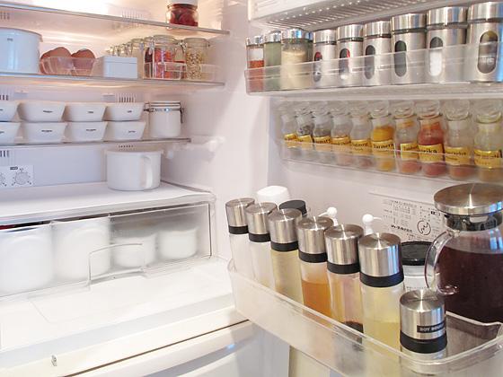 冷蔵庫のお悩み解決します♪片付け上手の冷蔵庫収納方公開!のサムネイル画像