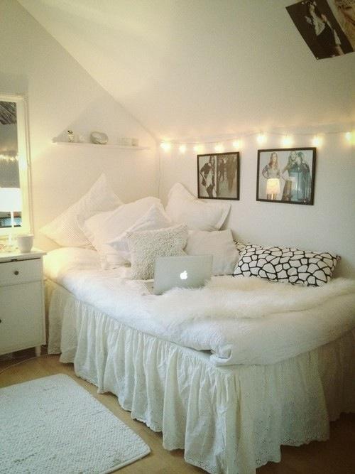 寝室だってかわいい部屋にしたい♡インテリアで素敵な寝室♪のサムネイル画像