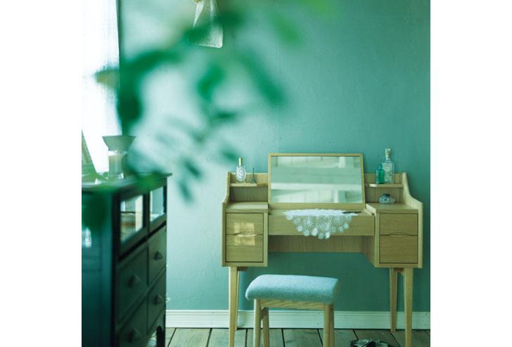 北欧スタイルのお部屋に似合う。おしゃれなナチュラルドレッサーのサムネイル画像