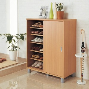 玄関に便利な棚を設け、来客を気持ちよくお迎えしましょう♪のサムネイル画像