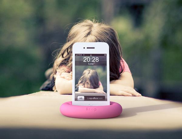 おしゃれ&便利◎絶対欲しくなるおすすめスマートフォンスタンドのサムネイル画像