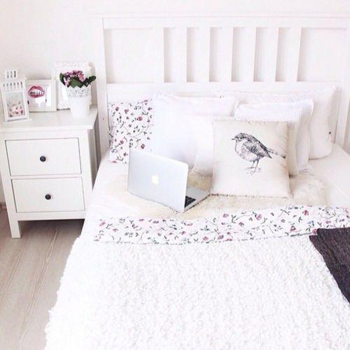 新生活にも!ラブリーな白ベッドでお部屋を上品可愛くしちゃお♡のサムネイル画像