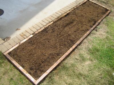 春だ!家庭菜園をはじめよう、第一歩は土作りから!土作りの重要性のサムネイル画像