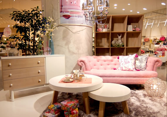 大人女子に人気【フランフラン】のソファでお気に入りの空間作りのサムネイル画像