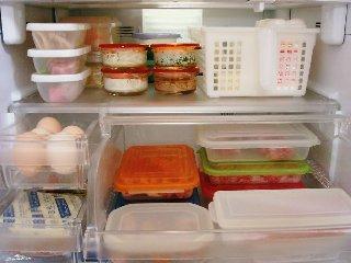 くさーい冷蔵庫は主婦の恥ですよ!冷蔵庫の消臭の仕方を学びましょうのサムネイル画像