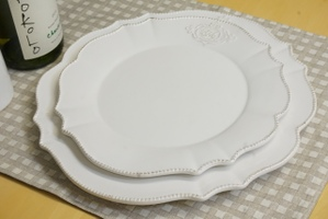 どんな料理にもぴったり!!食卓に映える白い陶器のお皿をご紹介!!のサムネイル画像