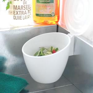 キッチンでの気になる生ゴミの臭い…生ゴミの消臭方法とは?のサムネイル画像