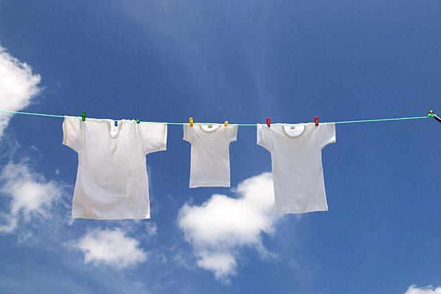 真っ白な衣類は気持ち良い!おすすめの衣類用漂白剤まとめ!のサムネイル画像