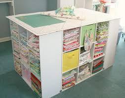 カラーボックスの用途は無限大?テーブルにするという選択肢のサムネイル画像