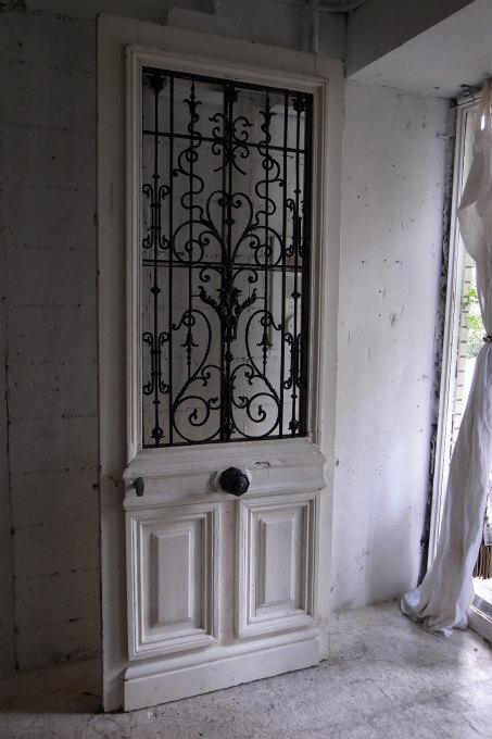 家の顔、こだわりのある家に取り入れたいおしゃれな玄関ドアまとめ。のサムネイル画像