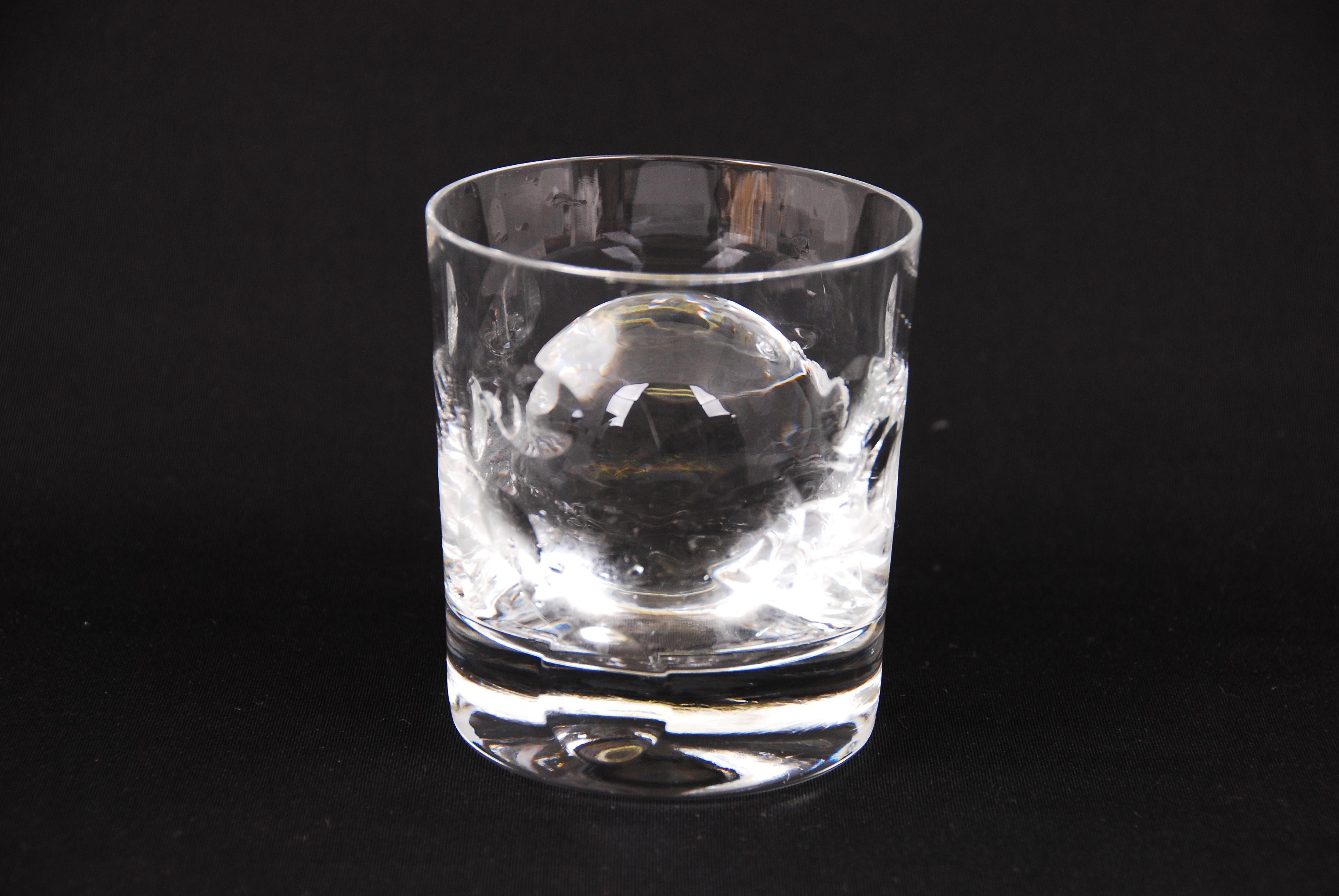 氷の作り方。ファミレスみたいにキレイでおいしい氷を作りたい!のサムネイル画像