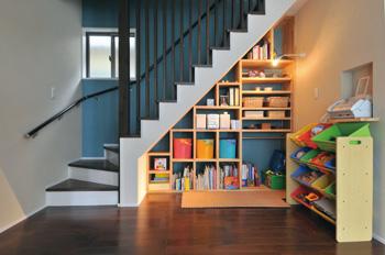 空間を有効活用して☆階段を上手に使って収納スペースを作ろう!のサムネイル画像