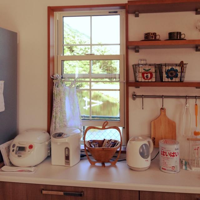 キッチンの窓はどんなのがいい?キッチンに最適な窓を考えるのサムネイル画像