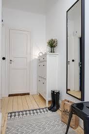 玄関をおしゃれな雰囲気に!玄関シートで模様替えする方法!のサムネイル画像