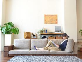 素敵なローソファーでゆったりとした時間をすごしてみませんか?のサムネイル画像