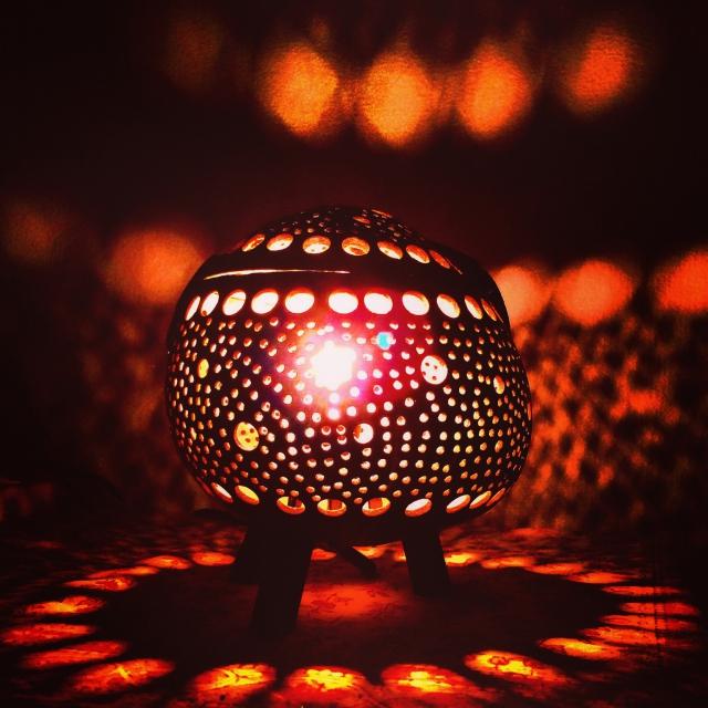 【癒しになるお部屋はアジアン間接照明が素敵な空間作りのお手伝い】のサムネイル画像