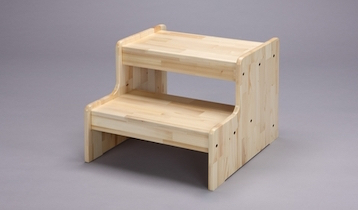 あると便利に使えるアイテムです☆木製の踏み台を紹介します☆のサムネイル画像