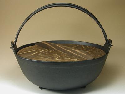 耐久性の高い鉄鍋を色々とご紹介していきますので参考にしてくださいのサムネイル画像