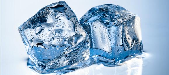 製氷機は便利!冷蔵庫でおいしい氷をつくりたいときは・・・?のサムネイル画像