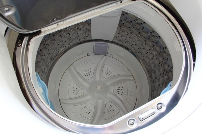 実は結構汚れてる!衣類を洗う洗濯機の掃除はとっても大切。のサムネイル画像