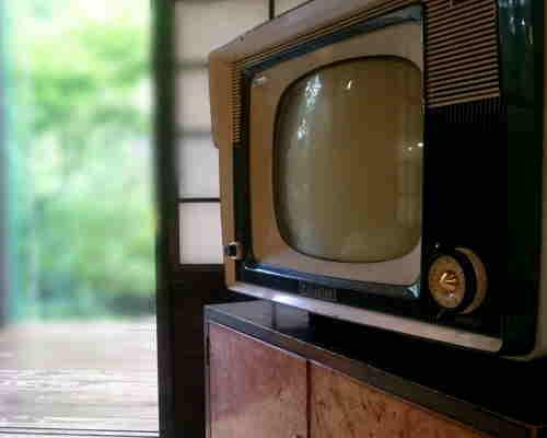 テレビは粗大ゴミ?廃棄方法をしってテレビを捨ててスッキリしよう!のサムネイル画像