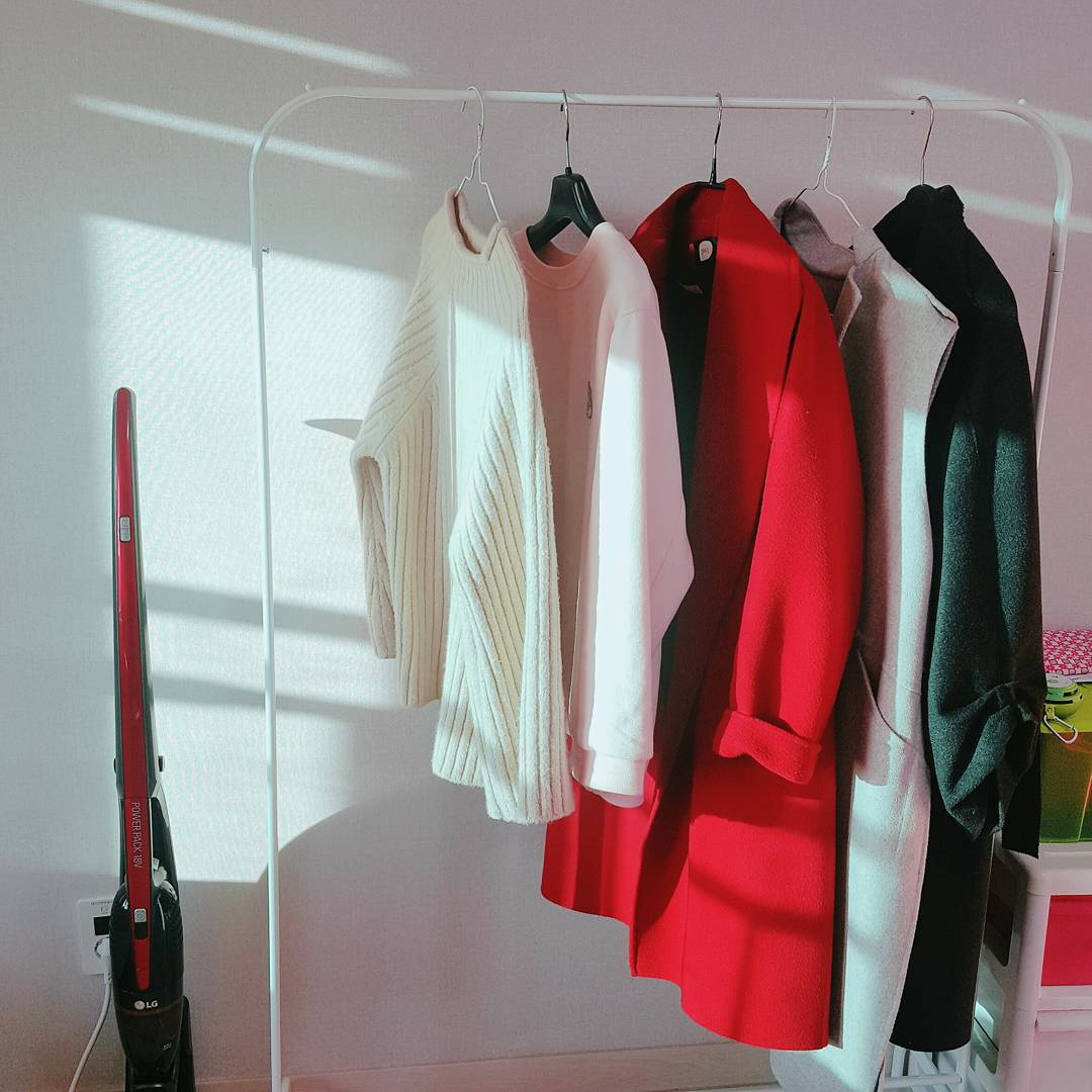 デザイン豊富☆ikeaの【ハンガーラック】でお部屋すっきり!のサムネイル画像
