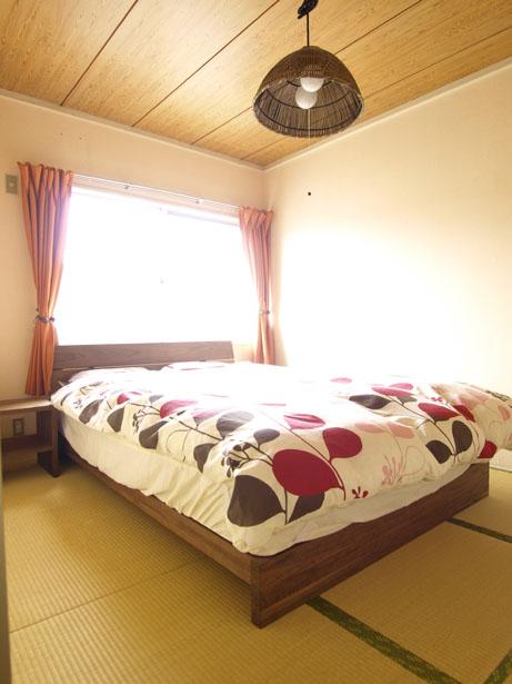 ベッドを置いても手狭なお部屋を有効活用!6畳間という名の伏魔殿。のサムネイル画像