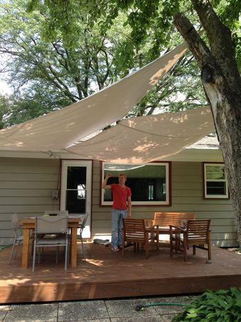 ウッドデッキで快適な休日を!おしゃれで機能的な屋根が欲しい!のサムネイル画像