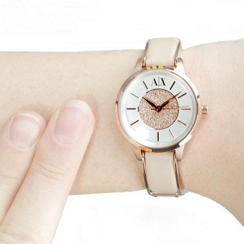 アルマーニの腕時計売れ筋は?レディース限定!人気腕時計を紹介、のサムネイル画像