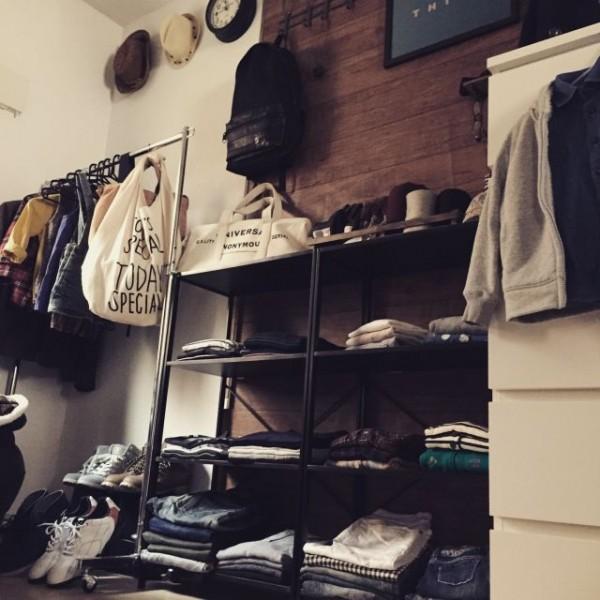 汚いクローゼットとはお別れしよう!棚を使って洋服をきれいに整頓のサムネイル画像