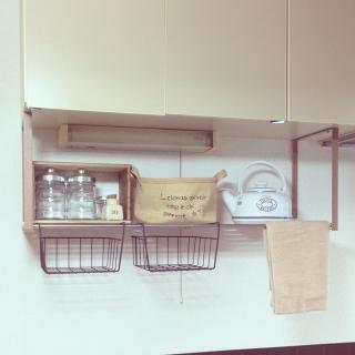キッチンをより便利に効率よく。カスタマイズも自在な吊り棚特集のサムネイル画像