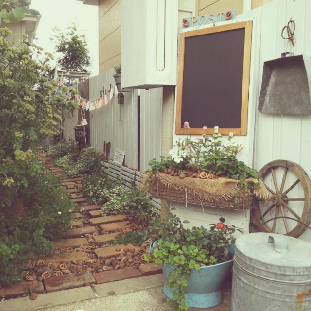 1度はお邪魔したくなる♡レンガで作られたお洒落な玄関のまとめ。のサムネイル画像