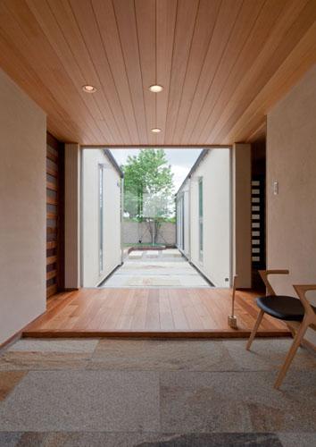 玄関の掃除、まずはタイルから!おすすめのタイル掃除商品まとめのサムネイル画像