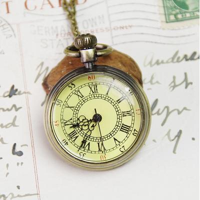 アンティーク懐中時計が人気!レトロな味わい深い注目商品を紹介。のサムネイル画像
