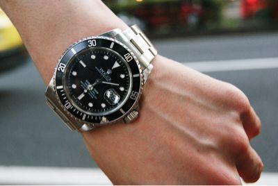 つける 位置 腕時計