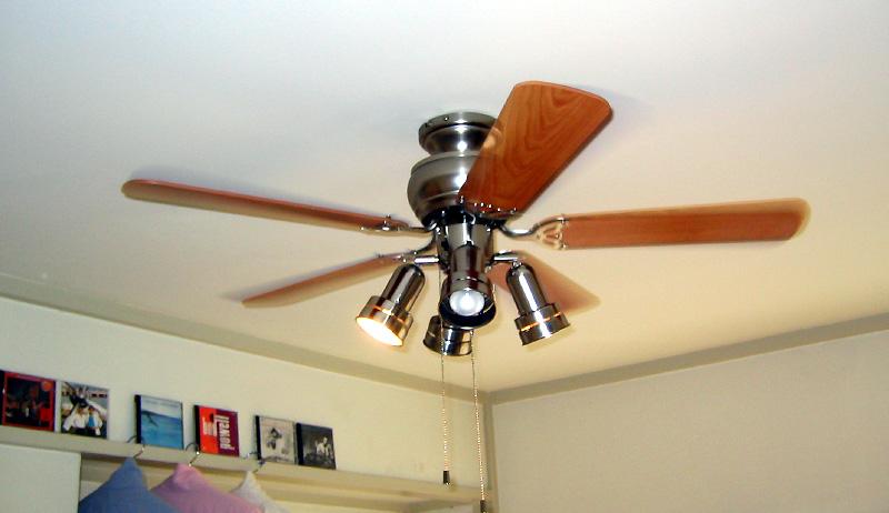 シーリングファンで節電とかよく聞くけど、本当に効果あるの?のサムネイル画像