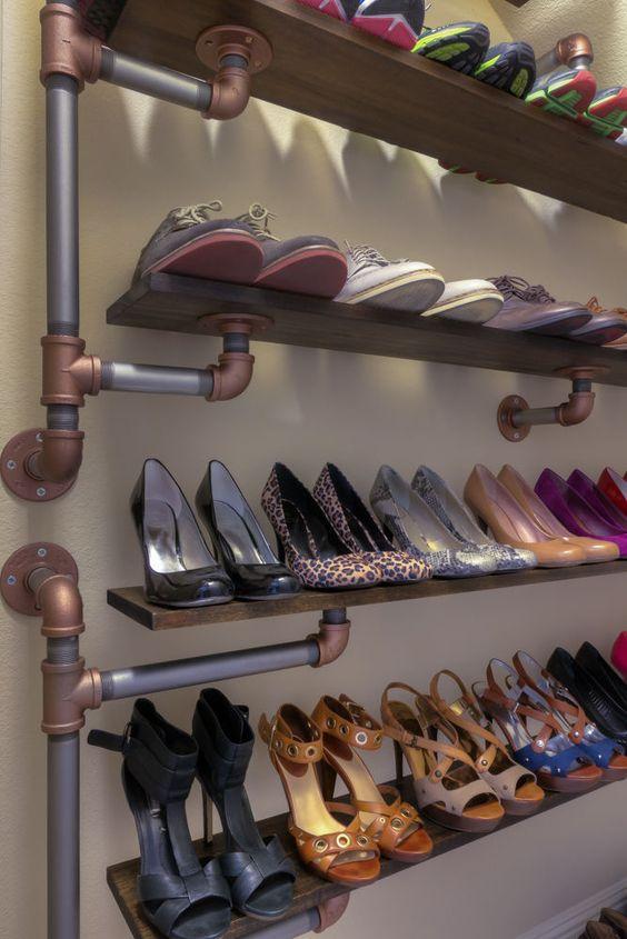 靴の収納どうしていますか? DIYや素敵なラックで玄関を変えましょうのサムネイル画像