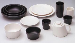 使わなくなった食器を使って社会貢献。不要食器のリサイクル活動のサムネイル画像