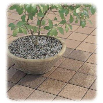ベランダに床材を敷きましょう!オシャレに快適に過ごす今年の夏!のサムネイル画像