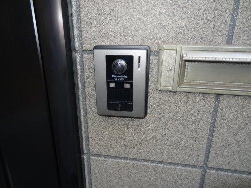 玄関モニターで防犯効果!安全&安心な人気モニターを紹介します。のサムネイル画像