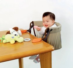 テーブルチェアで赤ちゃんも安心♪安全性の高いテーブルチェアまとめのサムネイル画像