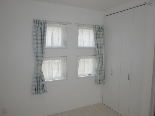 窓用カーテン特集!素敵な可愛いデザインの商品を集めてみました!のサムネイル画像