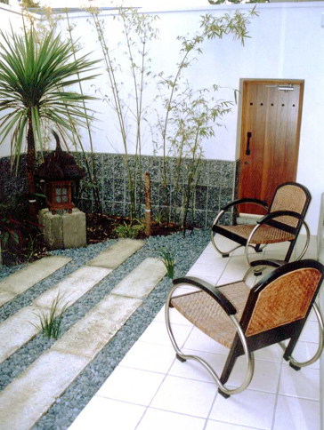 おしゃれなモダンライフを手に入れよう!庭をモダンにする方法のサムネイル画像