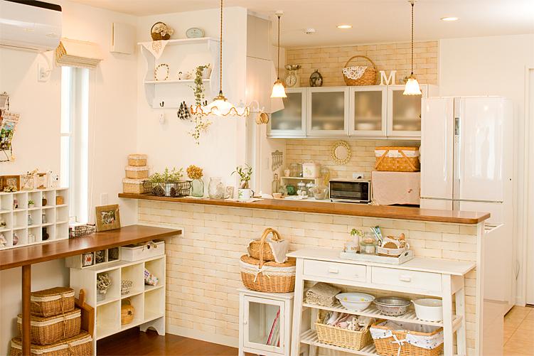 多種多様なラックで、キッチンはもっと便利でオシャレな空間になる♪のサムネイル画像